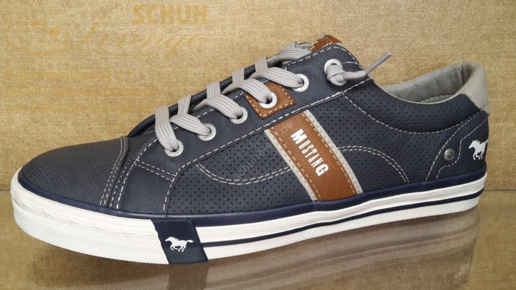 Cooler Herren-Sneaker von Mustang in dunkelblau